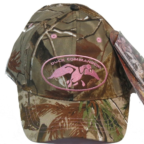 bcde1eb5d0fcf8 Camo Duck Commander Pink Logo Ball Hat, adult Pink. NWT. Realtree